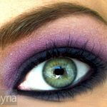 Blue and Purple Eyeshadow on a Green Eye in Natural Light