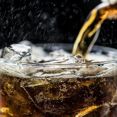 Fizzy cola drink