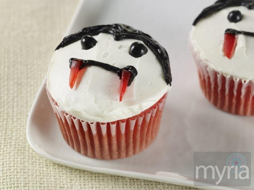 red velvet vampire cupcakes