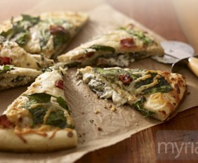Spinach-and-Herb-Stuffed-Pizza