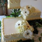 Wedding cake with separate square tiers