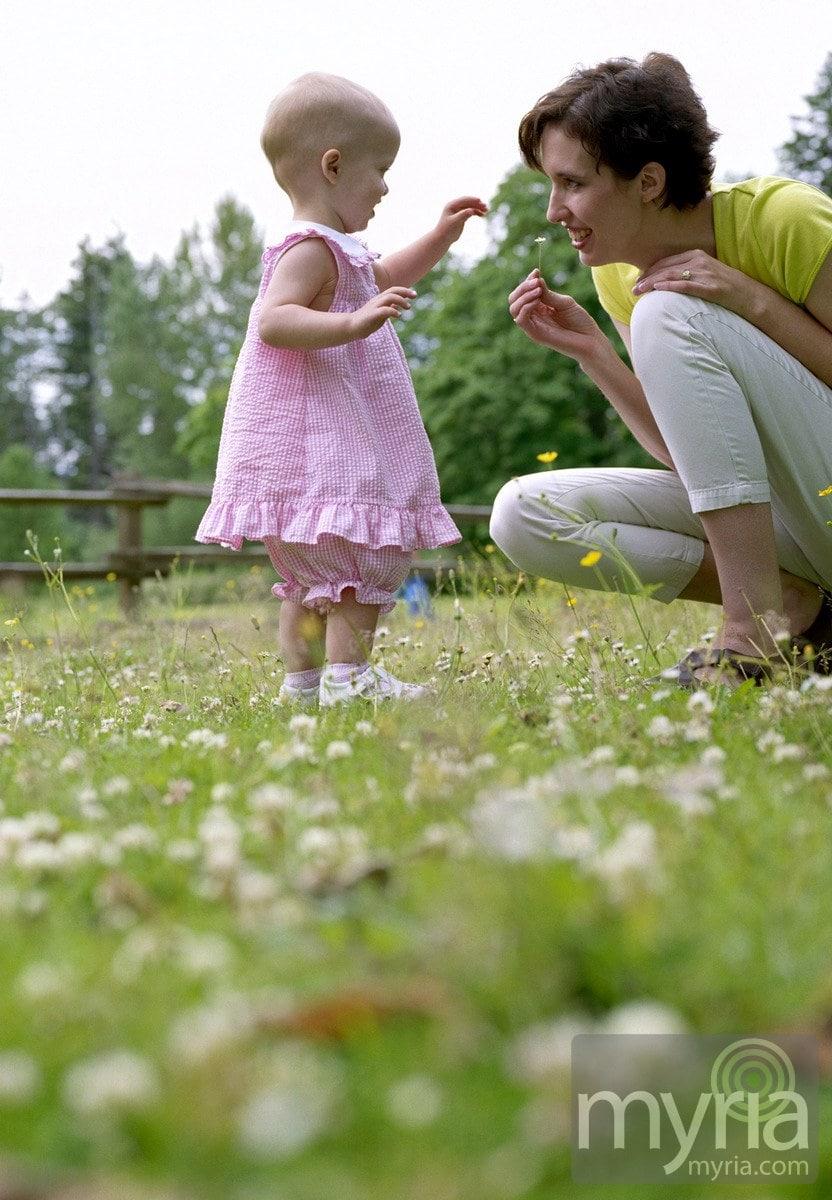 little-girl-pink-dress-mom-toddler-development