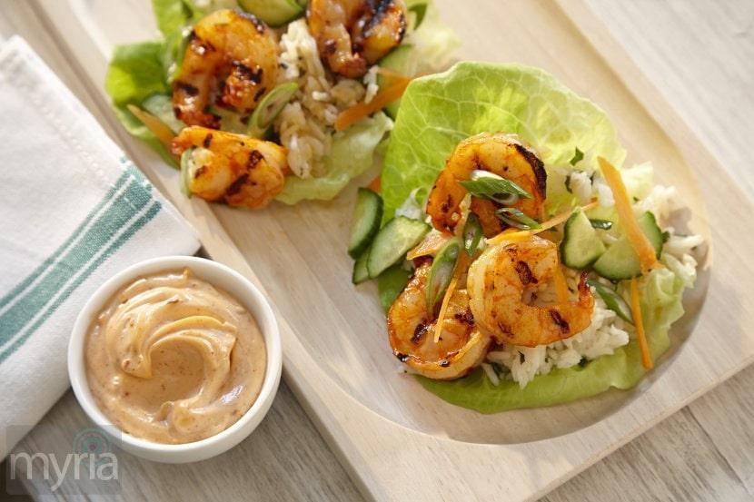 sriracha_lime_shrimp_lettuce_wraps